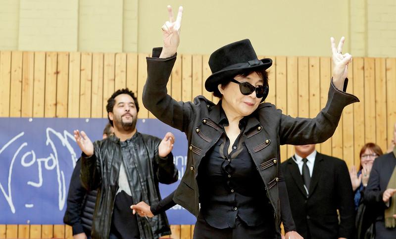 Yoko Ono, John Lennon Educational Tour Bus