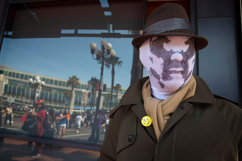 ". Cosplayer Noel Victorio poses while dressed as Rorschach from the graphic novel ""Watchmen\"" during the 2013 San Diego Comic-Con (SDCC) International in San Diego, California July 18, 2013. REUTERS/Fred Greaves"