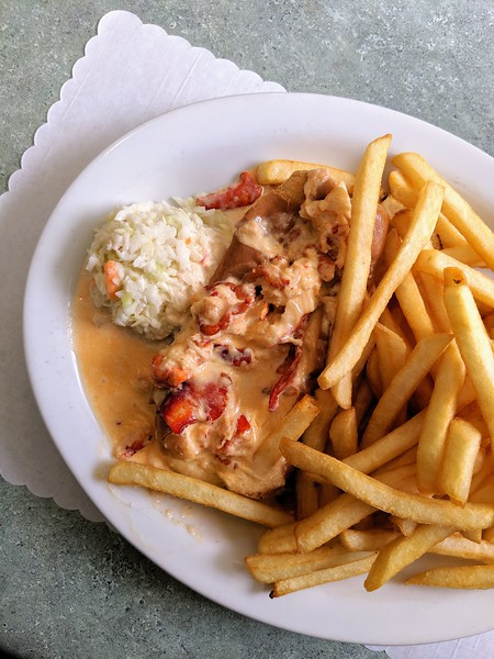 Blarney Stone hot lobster roll.jpg