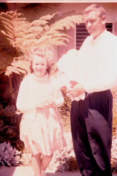 0266 - Dad, Jeannette, Linda (7-62).jpg