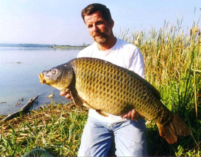 WCC99-Pic 51 - Participant with carp