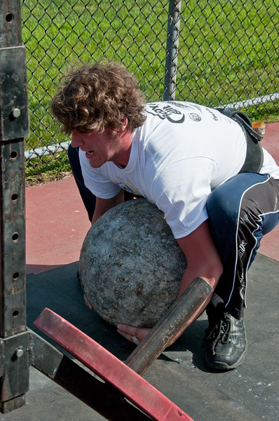 Strongman2009_Competition_DSC2020-1.jpg