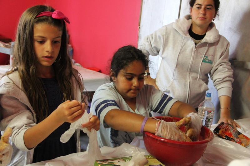 kars4kids_thezone_camp_girlsDivsion_activities_baking (95).JPG