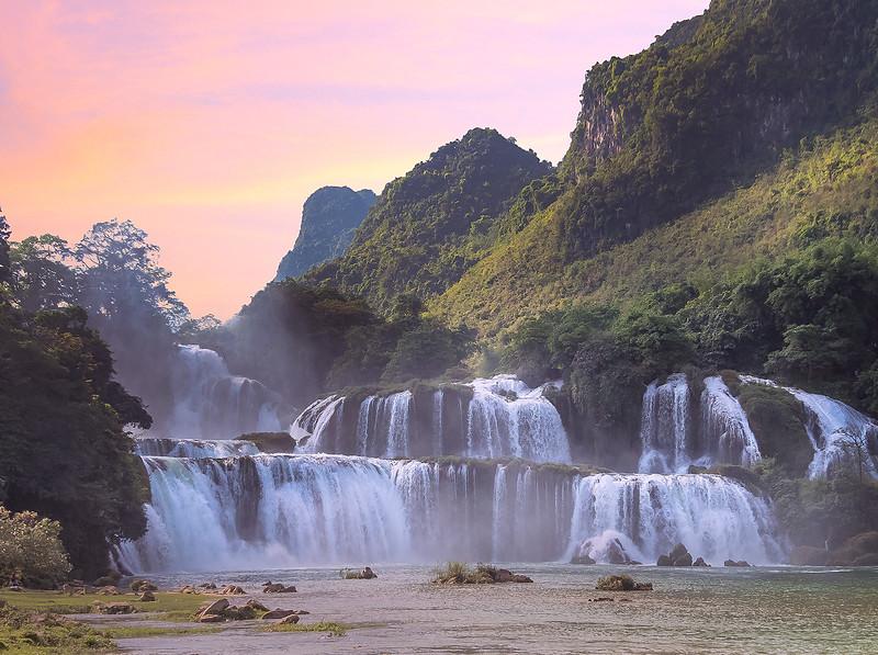 Vietnam Ban Gioc Falls Sunset_P1130004.jpg