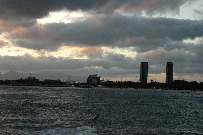 Hawaii - Ala Moana Beach Sunset-55.JPG