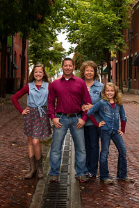 2013_0161_OutdoorFamily--OLDTOWN