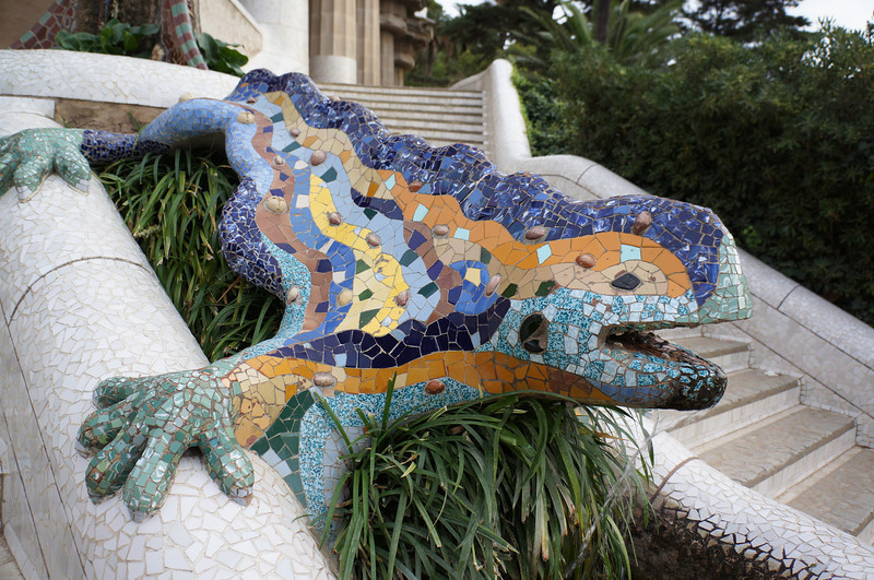 The salamander at the entrance to Parc Guell.