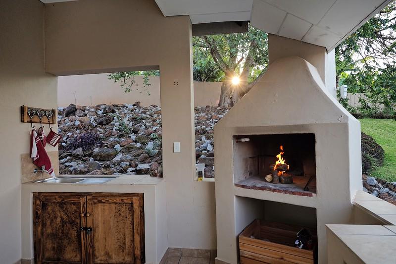 Poinsettia Cottages 032.jpg