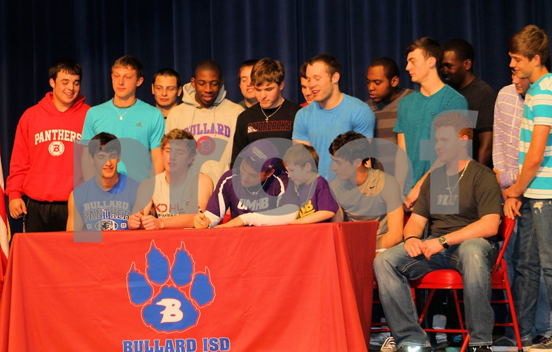 zack umhb signing with team