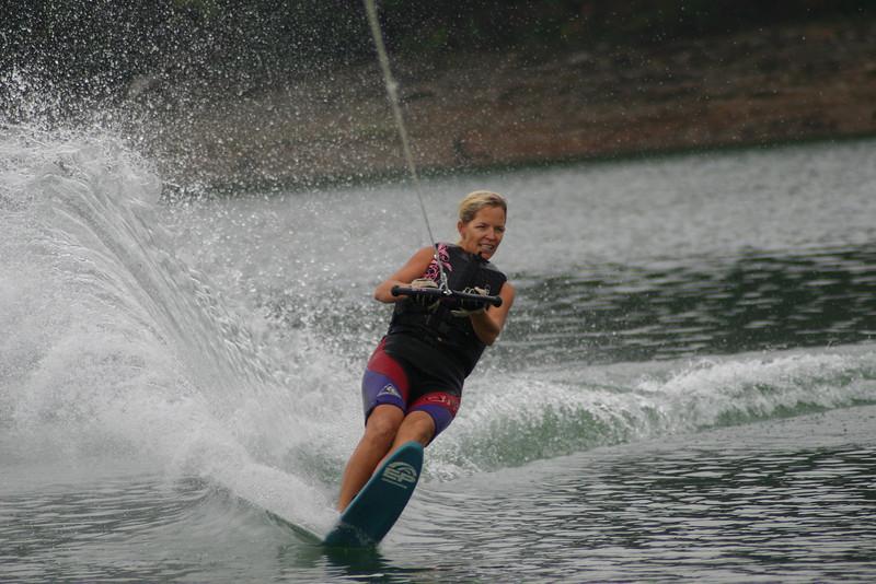 08-lake150.JPG