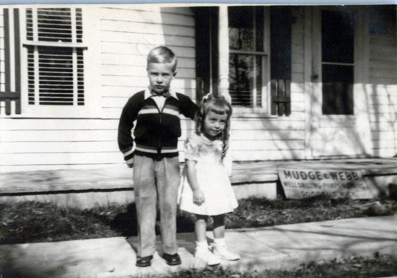 1940s Gary Mudge and sistere.jpeg