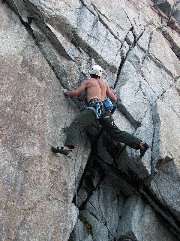 03_09_01 climbing mammoth & owens 323.jpg