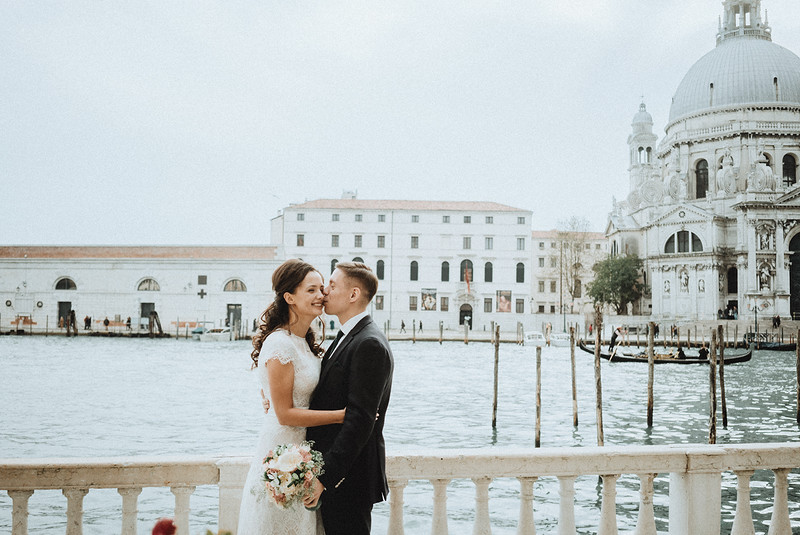 Tu-Nguyen-Destination-Wedding-Photographer-Elopement-Venice-Italy-Europe-w24.jpg