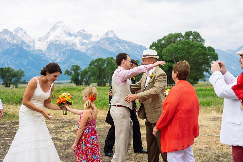 wedding-color-200.jpg