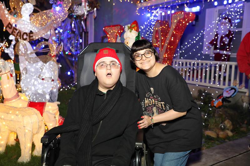 12-08-19-Christmas With Chris & Family-67.jpg