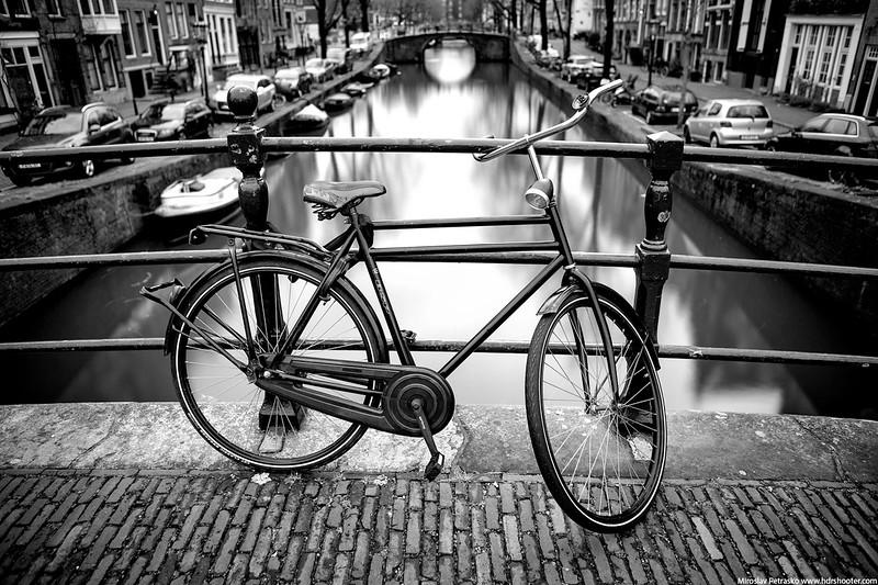 Amsterdam-IMG_2862-bw-web.jpg