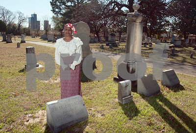 "3/29/14 ""Spirits of Oakwood"" at Oakwood Cemetery by Gloria Swift, David Thomas  & Sarah Miller"