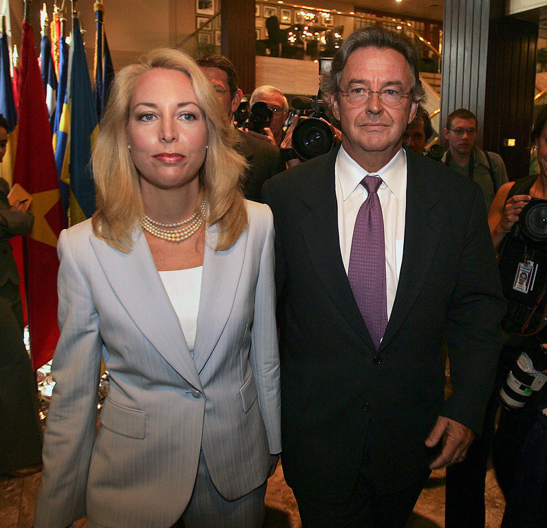""". Former CIA officer Valerie Plame, left, and her husband, former ambassador Joseph Wilson, arrive for a news conference at the National Press Club in Washington in this July 14, 2006, file photo.  Four years after President Bush\'s State of the Union speech touched off a stormy debate over the threat posed by Iraq, former White House aide I. Lewis \""""Scooter\"""" Libby is scheduled to go on trial Tuesday, Jan. 16, 2007, in the CIA leak investigation.  (AP Photo/Lawrence Jackson, File)"""
