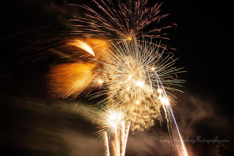 2019 Paradise Fireworks-122.jpg
