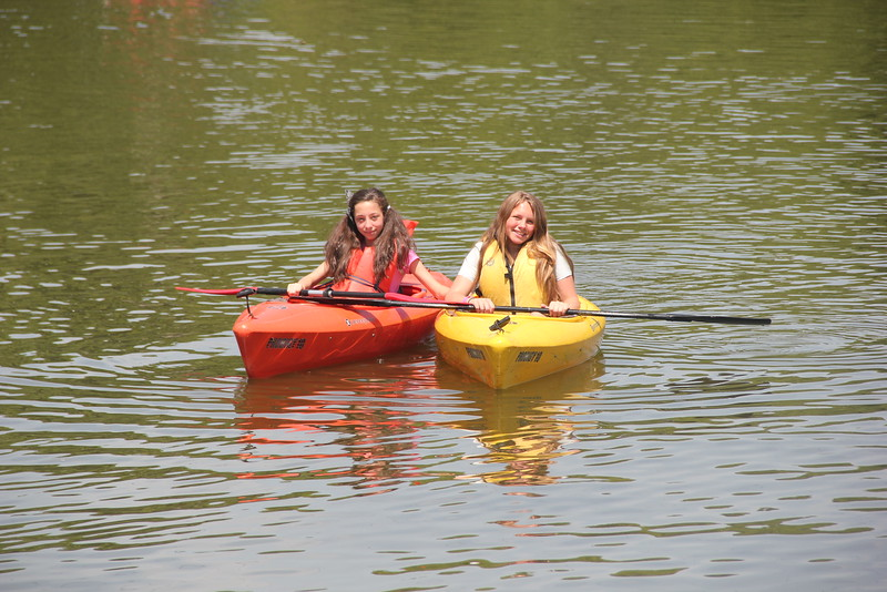 kars4kids_thezone_camp_girlsDivsion_activities_boating (35).JPG