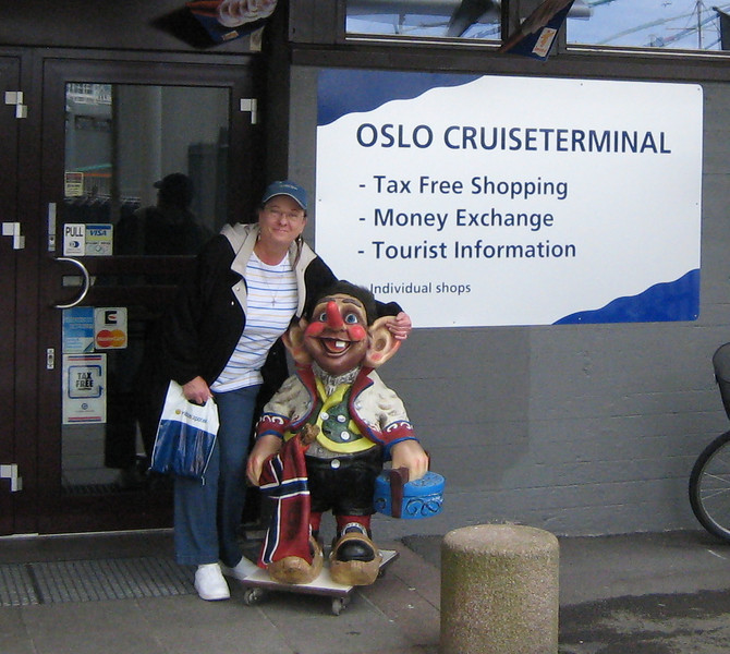 Oslo, Norway - Cindy and the Troll!