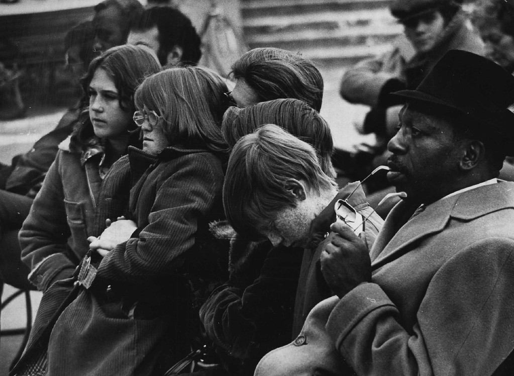 . People in Denver react to news of Kennedy\'s assassination. Denver Post file