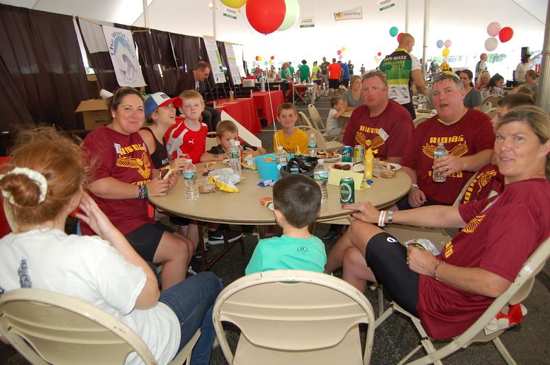 Sun-Wellesley-Family-Eating-CK0101.jpg