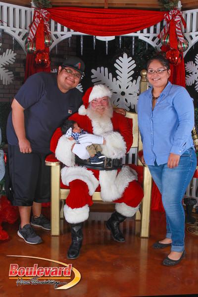 Santa 12-10-16-407.jpg