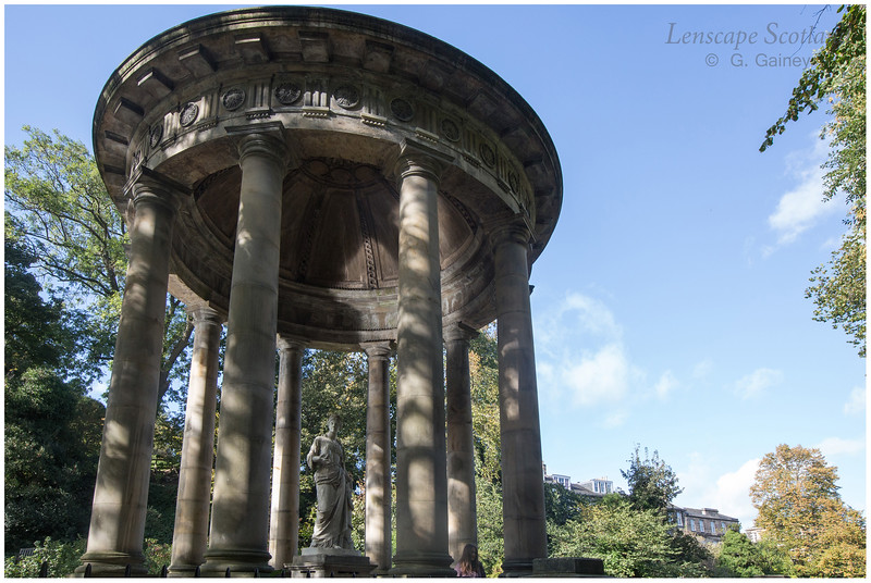 Saint Bernard's Well and statue of Hygea, Stockbridge (2)