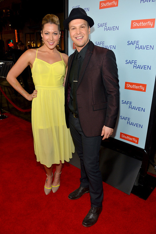 """. Musicians Colbie Caillat (L) and Gavin DeGraw arrive at the premiere of Relativity Media\'s \""""Safe Haven\"""" at TCL Chinese Theatre on February 5, 2013 in Hollywood, California.  (Photo by Alberto E. Rodriguez/Getty Images for Relativity Media)"""