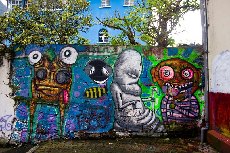 graffiti-in-banos_4888876326_o.jpg