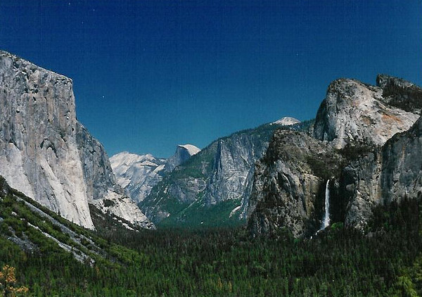 yosemite valley-a.jpg