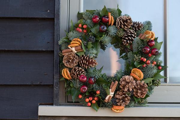 Julie Davies Christmas wreath photoshoot