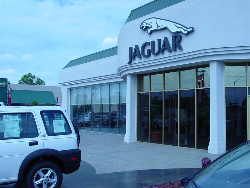 Jaguar exec 006.jpg