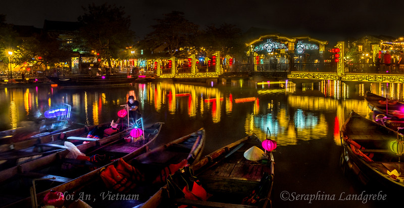 _DSC8636Night river lights lanterns.jpg