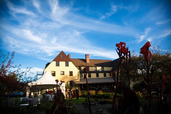 Settler's Inn