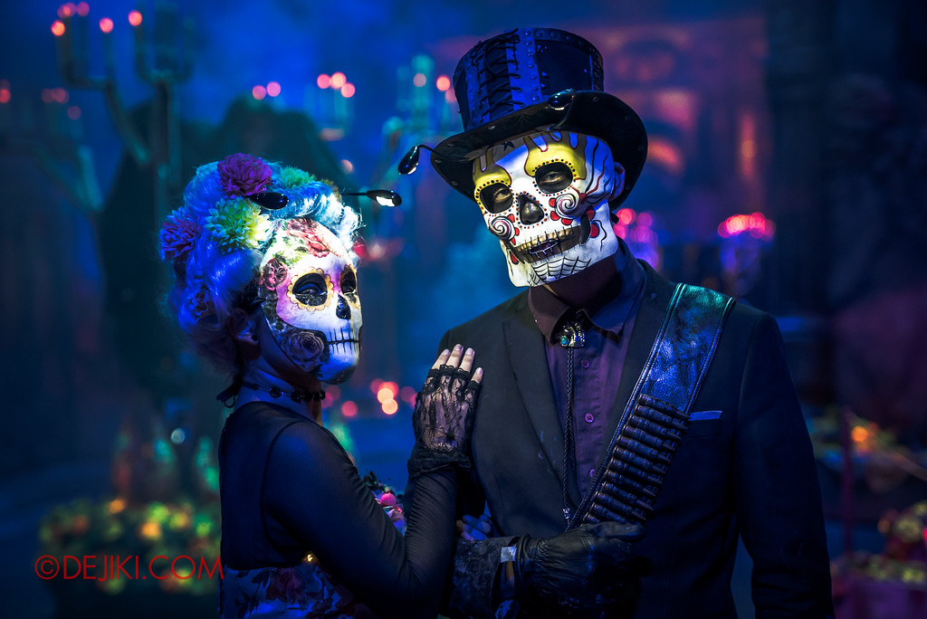 Halloween Horror Nights 6 - March of the Dead scare zone / The Lovers