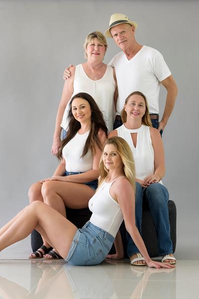 18-03-DuChateau-Ramirez Family-6.jpg