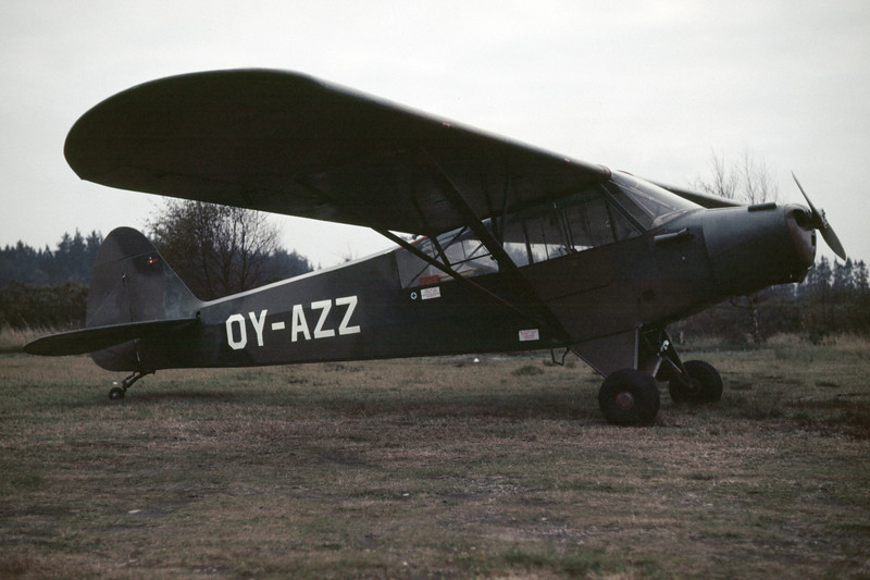 OY-AZZ-PiperPA-18-95SuperCub-1985-10-21-BR-40-KBVPCollection.jpg