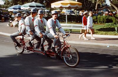Disneyland_Scenes__1960