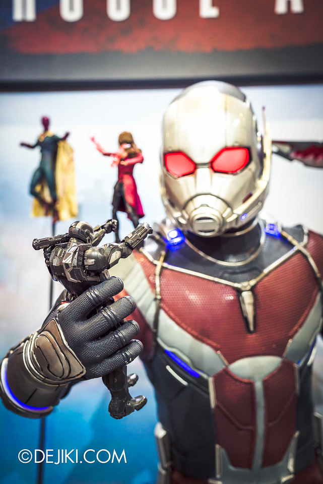 STGCC 2016 - Hot Toys / Ant Man giant