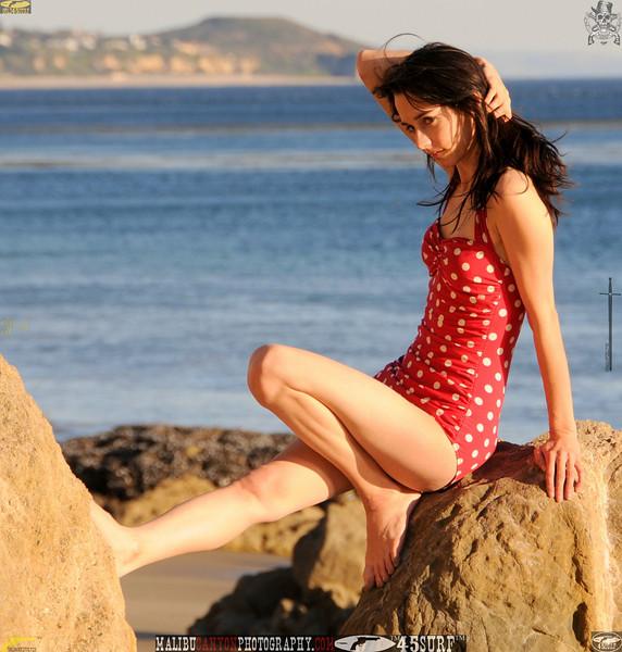 matador swimsuit malibu model 722..00....jpg