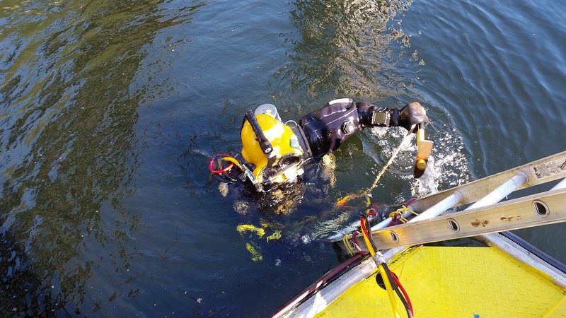 CommercialDive_CapeScottWaterTaxi_Comm.jpg
