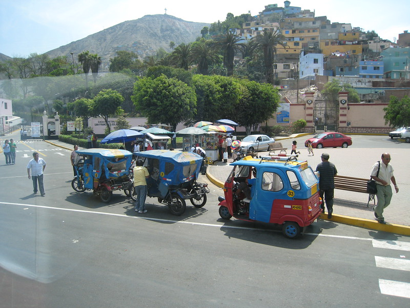 Local Taxis, Lima