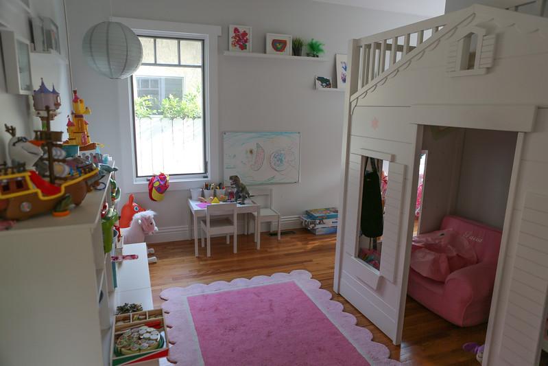 025_Downstairs_Kidsroom1.jpg