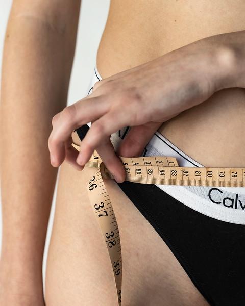 Emma-Measure-Hips-3229-small.jpg