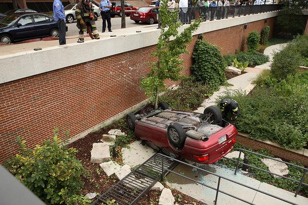10-5-06  Unusual Accident Polk & Wood