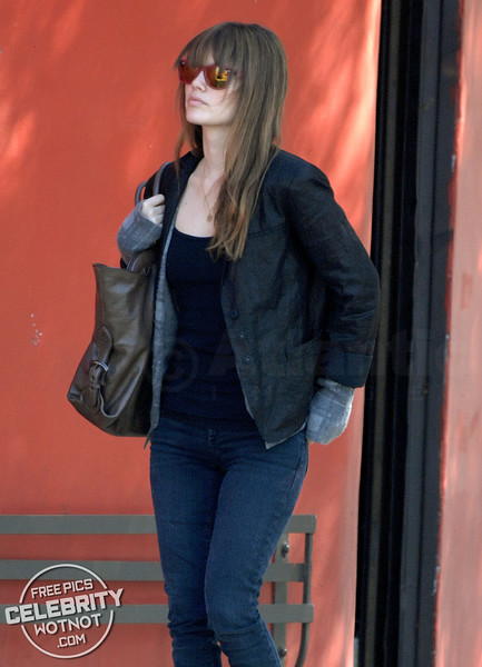 EXCLUSIVE: Rachel Bilson Street Style With Fendi Bag, Ray-Ban Wayfarers, Studded Heels & A Gloved Sweater!
