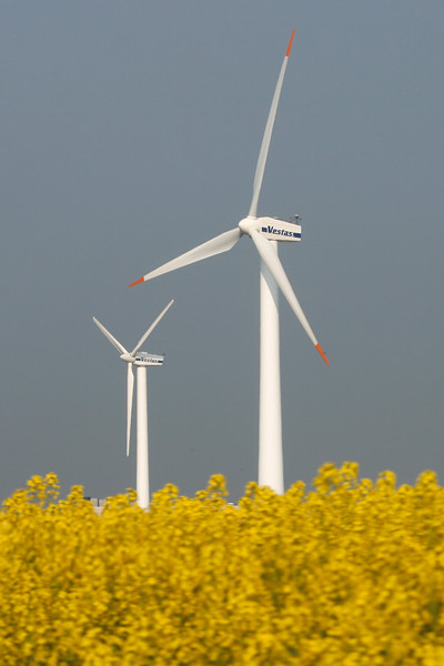 Tech-WindTurbine-2007-04-26-_MG_3251-Danapix.jpg