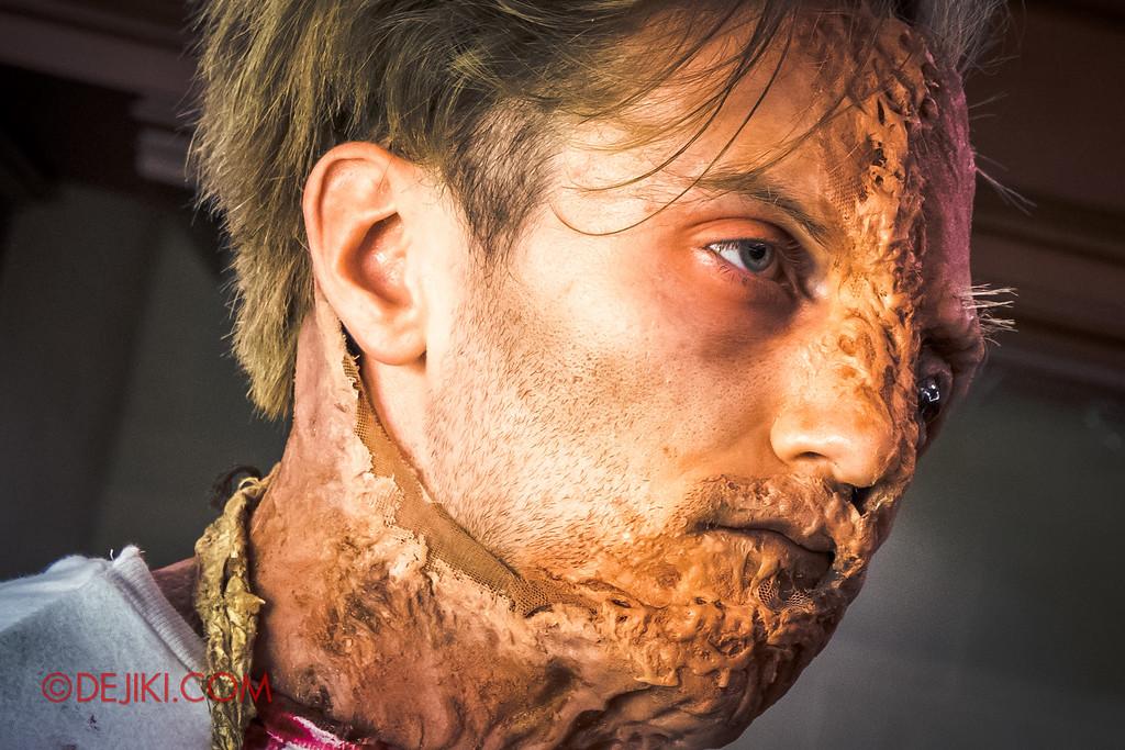 Halloween Horror Nights 6 Behind The Screams BTS Tour 2016 / Damien Shipman performer close-up